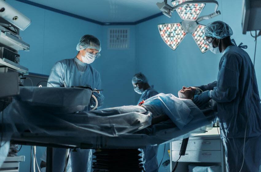 רשלנות רפואית בניתוח מוח: מתי רשלנות המנתח גורמת לפגיעה מוחית?